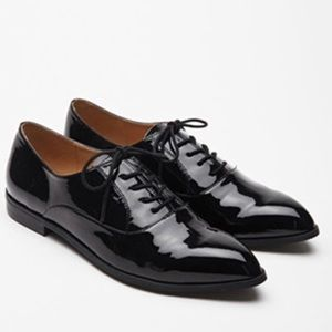 Forever 21: Women's Faux Patent Leather Oxfords